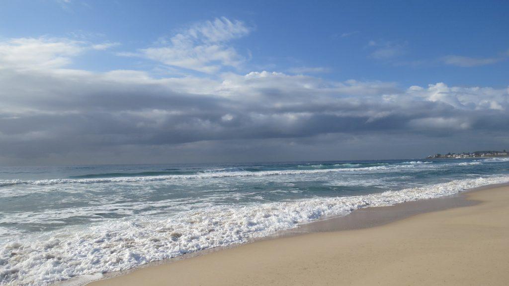曇り空,海