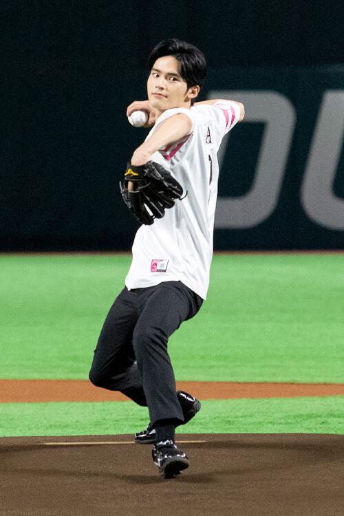 岡田健史,始球式