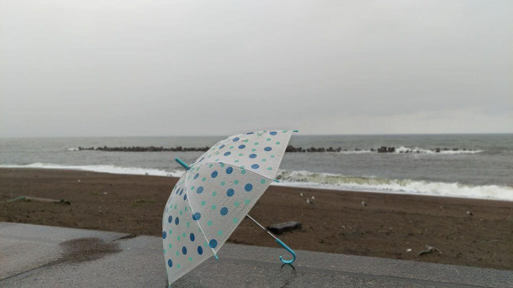 雨,傘,海,別れ