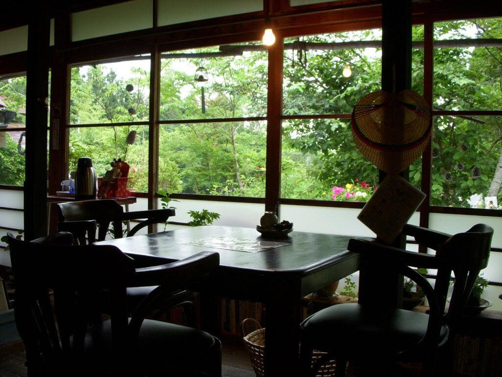 モカモアコーヒー店内